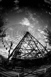 Giant Ferris Wheel by kuroame