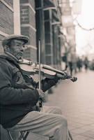 Violinist by kokaInum