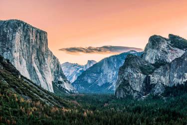 Yosemite - Tunnel View by FallingFeathers