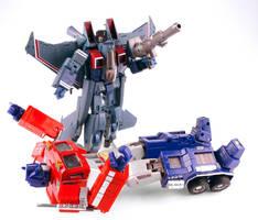 Starscream VS Optimus Prime by alienspawn