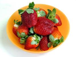 Strawberry Bowl by alienspawn