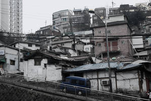 Downtown Seoul Slums by SenseiSage