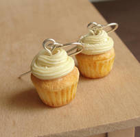 Polymer Clay Cupcake Earrings by fairchildart