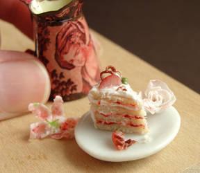 Dollhouse Strawberry Cake Slice by fairchildart