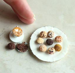 Mini Muffin Round Up by fairchildart