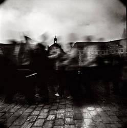 Sur le pave 1 by Jefinski
