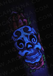 skull and roses UV version by arcanoide