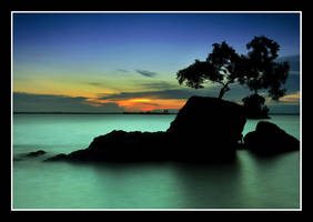 Loneliness... by gonting