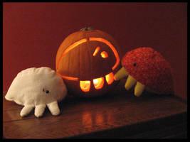 Grub Pumpkin Halloween 2007 by blushplush