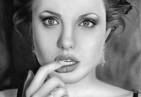 Angelina Jolie by Q-Le