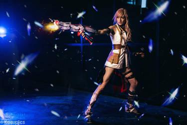 Lightning cosplay - FFXIII by cyberlight