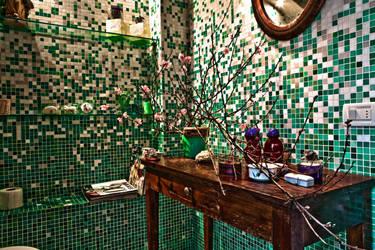 Green Bathroom by TrashDoLLs