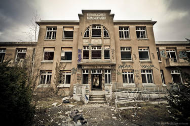 Sanatorium by MatzeMat