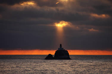 Tillamook Rock Light - Oregon by pyro303