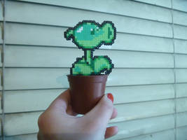MINI Peashooter Plant by DisasterExe