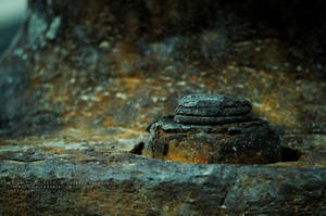 Rusty bolt by xTernal7