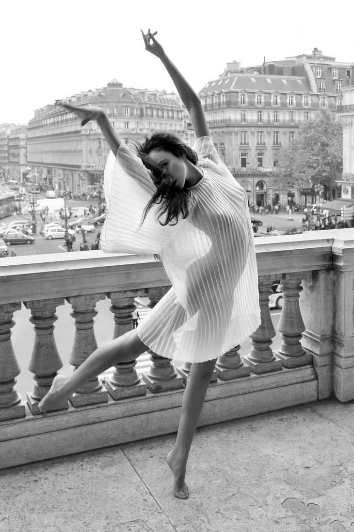 Balcony Dance by endegor