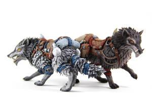 Frostwolf Direwolf (World of Warcraft sculpture) by ColibriWorkshop