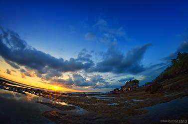 Sunset at Tanah Lot 4 by SaiogaMan