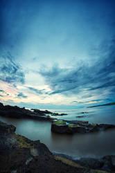 Heningnya pantai Mengening by SaiogaMan