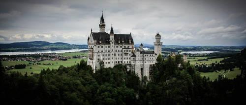 Neuschwanstein Castle by JulieEarnshaw