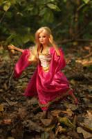 Startled fairy elf in Mirkwood by Menkhar