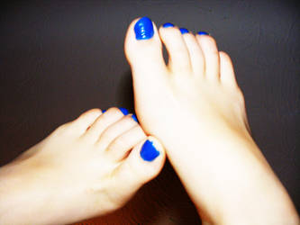 Blue toes by Tabs-a-weld