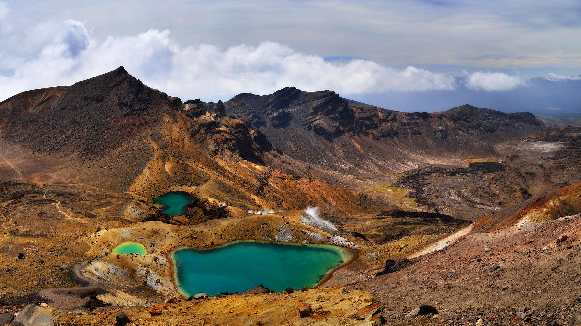 Tongariro National Park by hquer