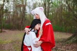 Inuyasha Hugs Kikyo Cosplay by firecloak