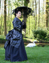 1873 costume and swan by debellespoupees