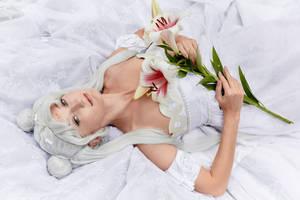 Royal lily by Mitsuno-Queen-Sonoko