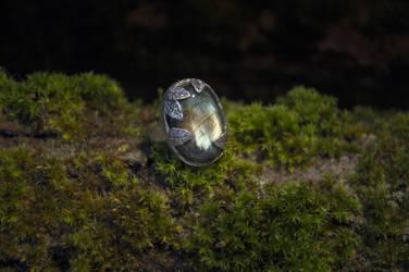 Labradorite ring by xNatje