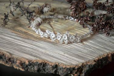 Flower bracelet by xNatje