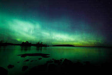 Northern lights glow by JuhaniViitanen