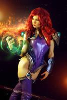 Starfire - DC Comics by FioreSofen