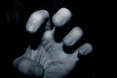 Golumn Hands by RedishDragon