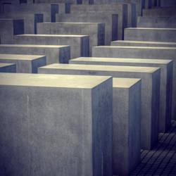 Memorial by YourEndlessDream