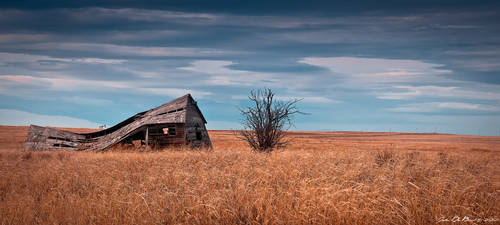 A Ghost On The Plains II by kkart