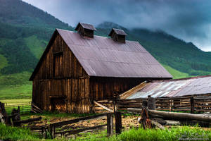 A Barn In Crested Butte by kkart