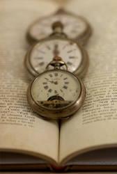 Reading Time by Sara-Morini