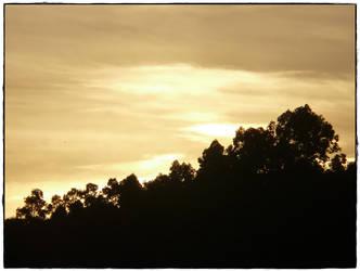 Atardecer sobre el monte by Eaglerock