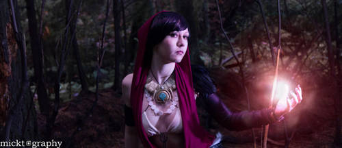 Dragon Age: Origins Morrigan Cosplay by emmabellish