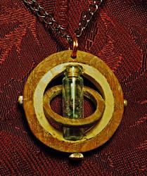Wood Rings Pendant - Garnet by Fandragon