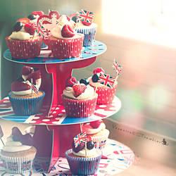 Diamond Jubilee Cupcakes by Slairea