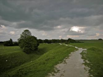 Avebury, path round the circle by VandrefalkForge