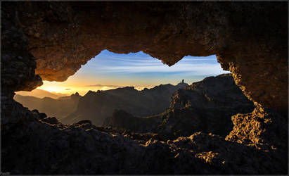 Window to the world by Kaslito