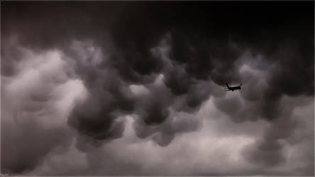 Escaping from unfriendly skies by Kaslito