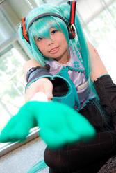 Hatsune Miku - wanna leek? :3 by stjh-cosplay