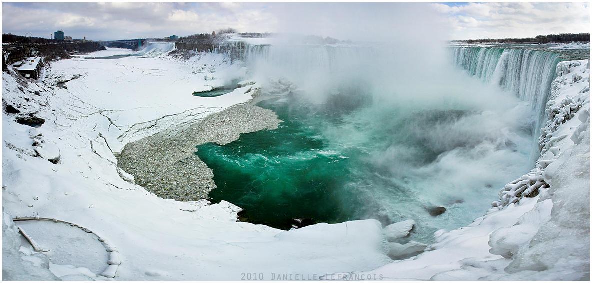 Niagara Falls by Dani-Lefrancois
