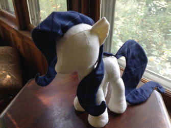 Animal Lover Pony by valleyviolet